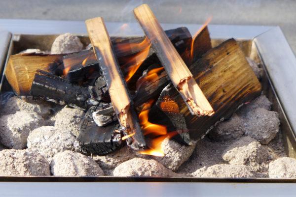 Na de barbecue nog genieten van een gezellig vuur.